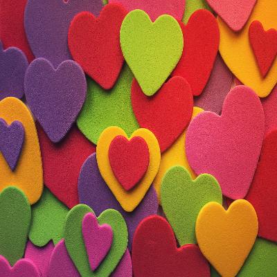 قلوب ملونة